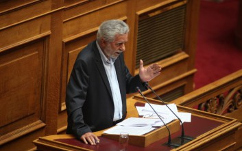 Δρίτσας: Να ξαναγεμίσουν με Έλληνες και Ελληνίδες ναυτικούς τα ελληνικά πλοία