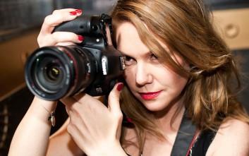 Η σκηνοθέτης που κορόιδεψε για δυο εβδομάδες το YouTube και ανέβασε την ερωτική ταινία της