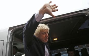 Συντριπτική νίκη του Μπόρις Τζόνσον στη Βρετανία δείχνει δημοσκόπηση