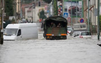 Τέσσερις νεκροί στη Γαλλία από τις πλημμύρες