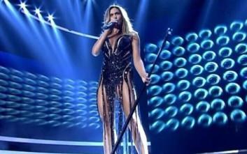 Η καυτή Έλλη Κοκκίνου και το play back που κόλλησε στο X Factor