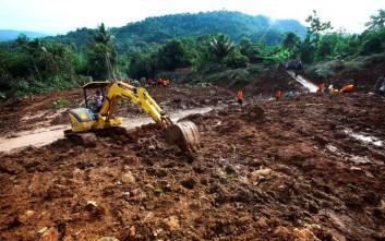 Φονική κατολίσθηση με δεκαεννέα νεκρούς στην Ινδονησία