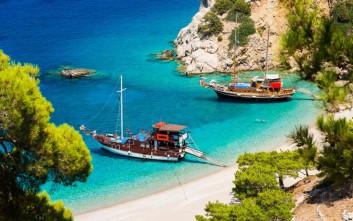 Άπελλα, η εξωτική παραλία της Καρπάθου