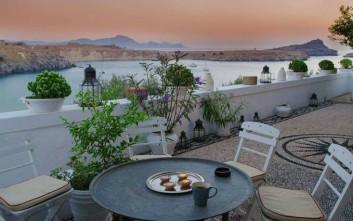 Πανέμορφες αυλές σε υπέροχα ξενοδοχεία της Ελλάδας