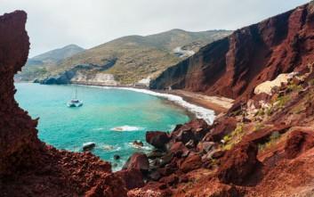 Η ελληνική παραλία που φιγουράρει στη λίστα του Conde Nast Traveler