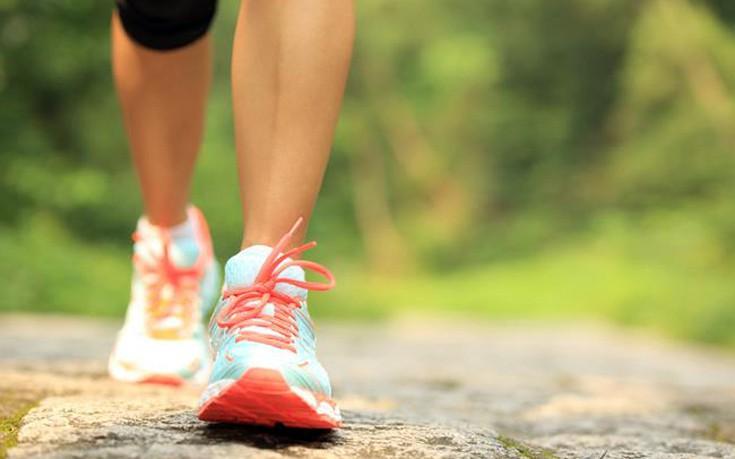 Πόσο περπάτημα χρειάζεται για να «κάψεις» ένα παγωτό ξυλάκι