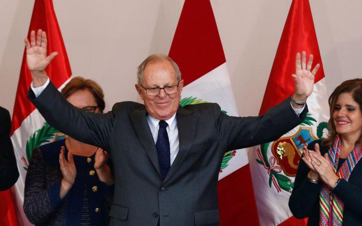 Ο πρόεδρος του Περού... γκρινιάζει για το μισθό του