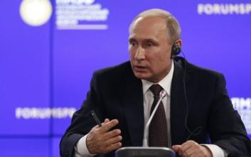 Πούτιν: Υστερία οι προσπάθειες επηρεασμού των αμερικανικών εκλογών