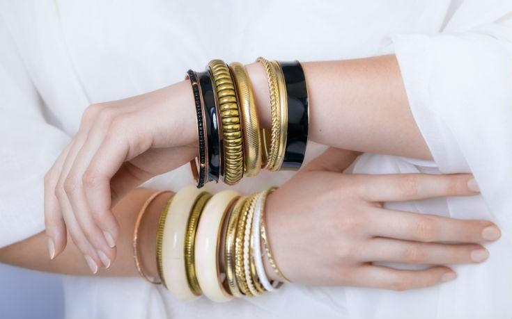 Πώς να γυαλίσεις τα κοσμήματά σου τώρα που μένεις σπίτι – Newsbeast