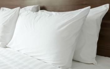 Πώς να καταλάβετε αν το μαξιλάρι σας θέλει άλλαγμα