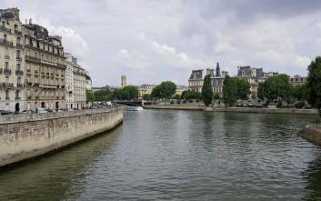 «Φουσκώνει» ο Σηκουάνας στο Παρίσι