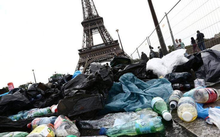 Euro με σκουπίδια στη Γαλλία