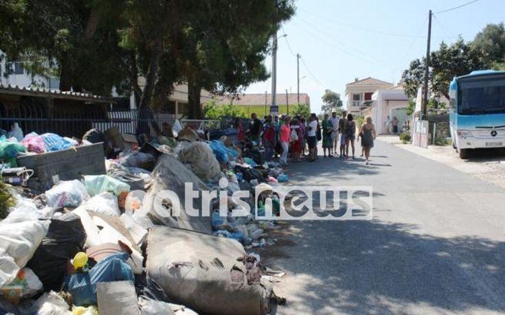 «Πνίγεται» στα σκουπίδια το Κατάκολο