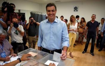Παραιτήθηκε ο ηγέτης των Σοσιαλιστών στην Ισπανία