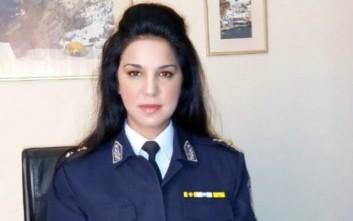 Η όμορφη διοικήτρια του Αστυνομικού Τμήματος στη Σαντορίνη