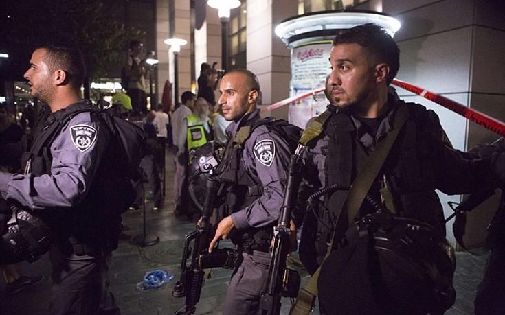 Αναφορές για εκρήξεις στο Τελ Αβίβ μετά από εκτόξευση ρουκετών από τη Γάζα