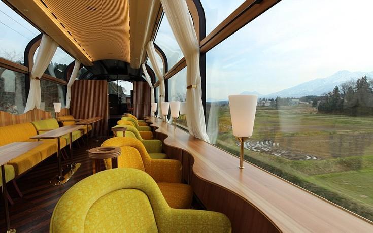 Το διαφανές τρένο της Ιαπωνίας με τη μοναδική θέα