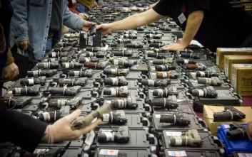 Οι σοκαριστικά χαλαροί νόμοι που διέπουν την αμερικανική οπλοκατοχή