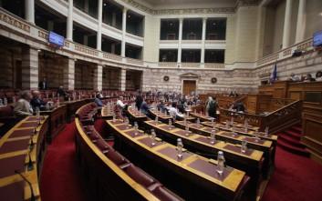 Υποεπιτροπή για το δημόσιο χρέος συστήνεται στη Βουλή