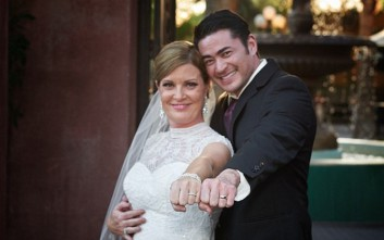 Παντρεύτηκε για δεύτερη φορά ο άνδρας που κυφόρησε και γέννησε τα παιδιά του