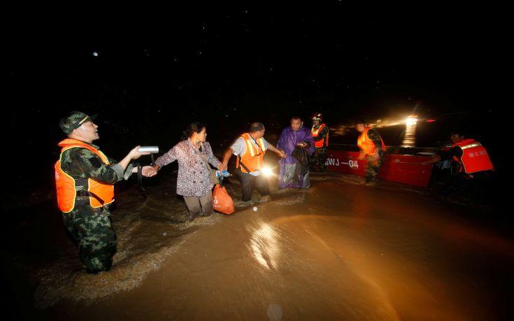 Συνεχίζονται οι φονικές βροχοπτώσεις σε 11 περιοχές της Κίνας