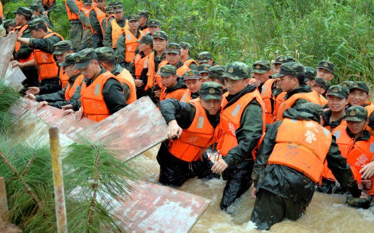 Επιχείρηση διάσωσης στην Κίνα μετά από κατολίσθηση