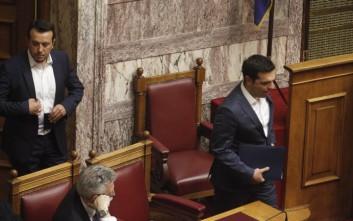 Μετά την ήττα στην απλή αναλογική ο Τσίπρας εμφανίζεται οργισμένος και με τους «53+» για τον Πρόεδρο