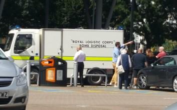 Εκκενώνουν εμπορικό κέντρο στη Βρετανία λόγω ύποπτης βαλίτσας