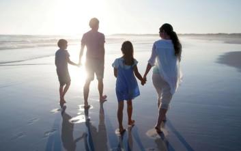 Πόσο χρόνο ξοδεύει μια οικογένεια για να βγάλει την τέλεια φωτογραφία των διακοπών