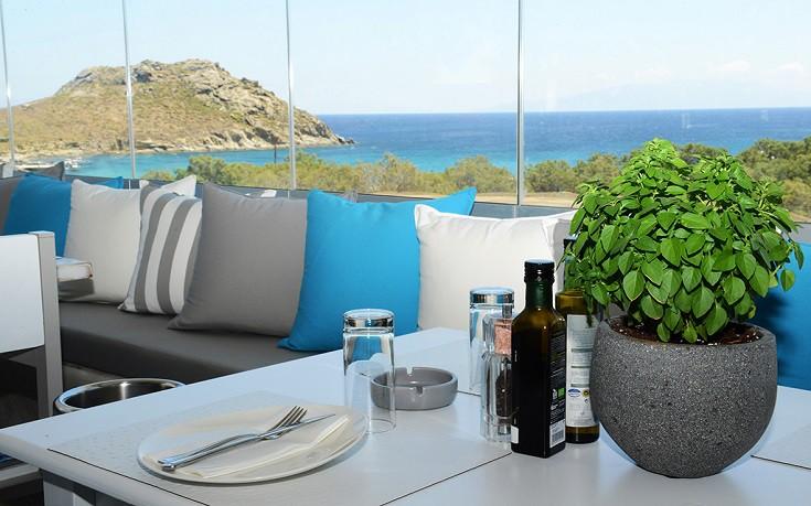 Nesaea: Το νέο εστιατόριο της Μυκόνου που τιμά την κυκλαδίτικη δημιουργική κουζίνα