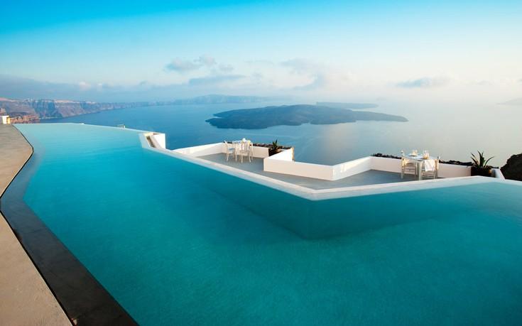 Grace_Santorini_Greece