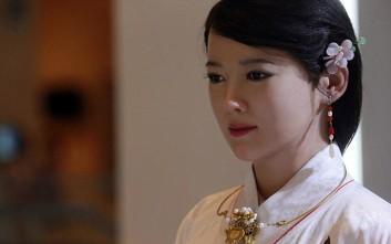 Η πανέμορφη Jia Jia δεν είναι αυτό που νομίζετε
