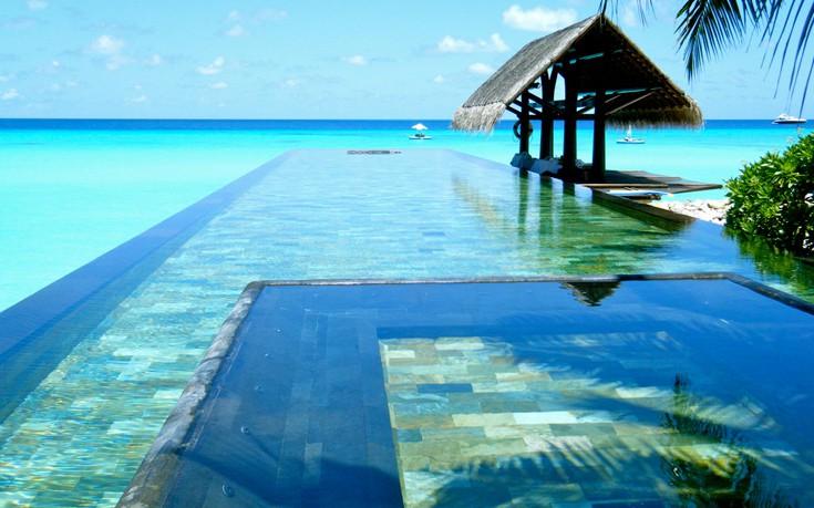 Paradise_Pool_The_Maldives