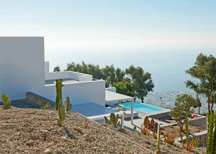 Summer-house-on-the-mountain_Kapsimalis-Architects_Prophet-Ilias_Santorini-Island_Greece_dezeen_1568_3
