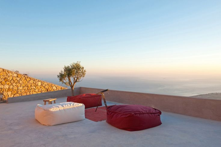 Summer-house-on-the-mountain_Kapsimalis-Architects_Prophet-Ilias_Santorini-Island_Greece_dezeen_936_18