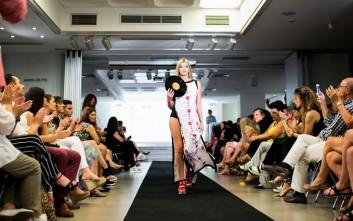 Εμπνευσμένες δημιουργίες σχεδιαστών σε ένα εντυπωσιακό fashion show