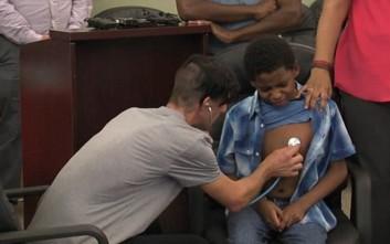 Πατέρας ακούει την καρδιά της νεκρής κόρης του να χτυπάει σε ένα 14χρονο αγόρι