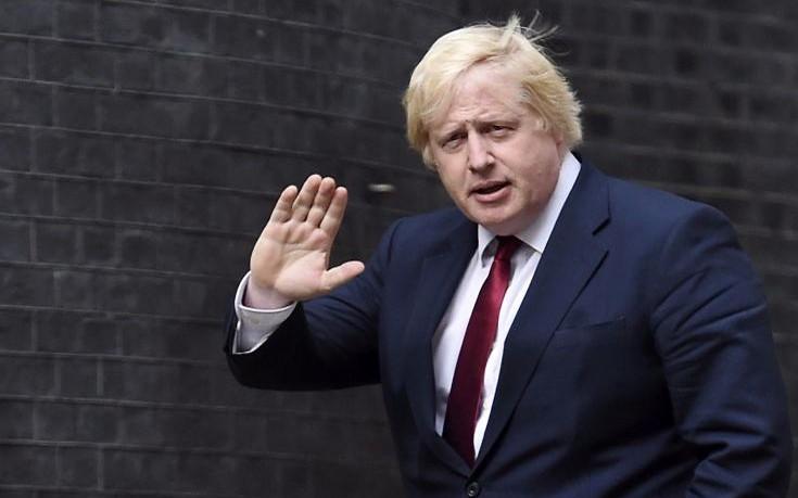 Ο Μπόρις Τζόνσον «έκοψε» τον Φαράτζ από τις διαπραγματεύσεις για το Brexit