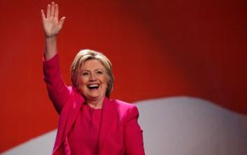 Προειδοποίηση για μια προεδρία Κλίντον «γεμάτη σκάνδαλα»