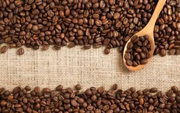 Η υπερβολική κατανάλωση καφέ μπορεί να προκαλέσει πονοκεφάλους