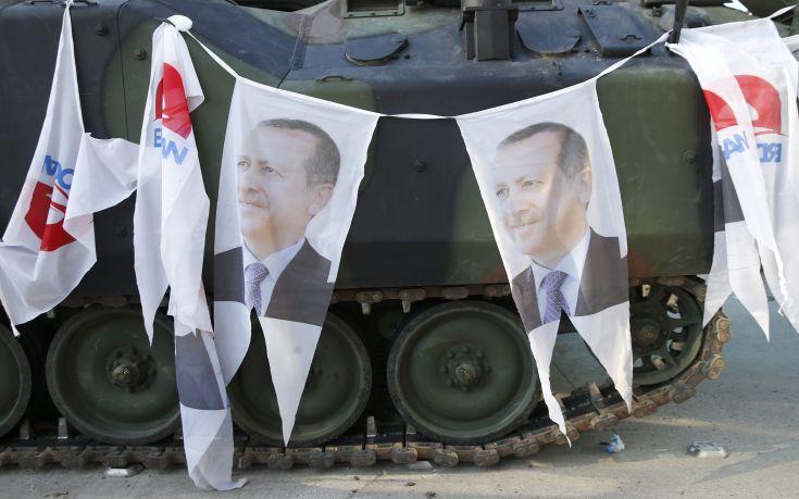 Μακριά από Άγκυρα και Κωνσταντινούπολη τα στρατιωτικά άρματα