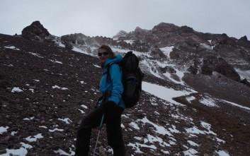 Ρεκόρ Γκίνες στη γυναίκα που σκαρφάλωσε στα ψηλότερα βουνά του κόσμου σε 8 μήνες
