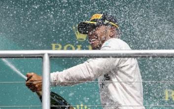 Τέταρτη σερί νίκη για το Λιούις Χάμιλτον στη Formula 1