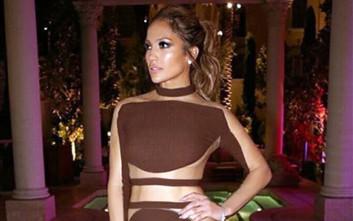 Η σέξι ολόσωμη φόρμα της Jennifer Lopez