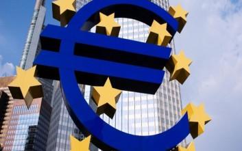ΕΚΤ: Η νομισματική πολιτική θα παραμείνει χαλαρή