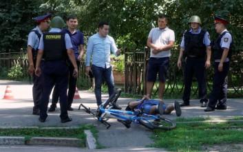 Ένοπλος σκότωσε τρεις αστυνομικούς και έναν πολίτη στο Καζακστάν