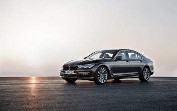 Με «έξυπνες» λειτουργίες εφοδιάζει η BMW τα οχήματά της