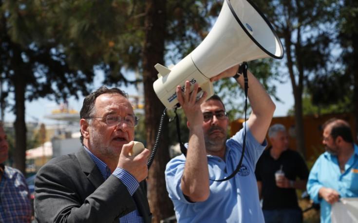 «Λαϊκό κύμα ενάντια στο ευρώ και υπέρ της δραχμής» ζητά ο Λαφαζάνης