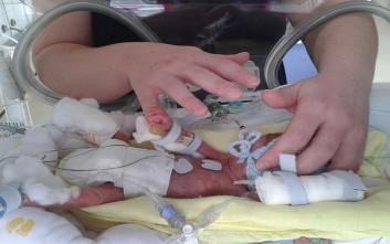 Είδε την φωτογραφία του 35 ημερών νεκρού μωρού της στο Facebook για έρανο