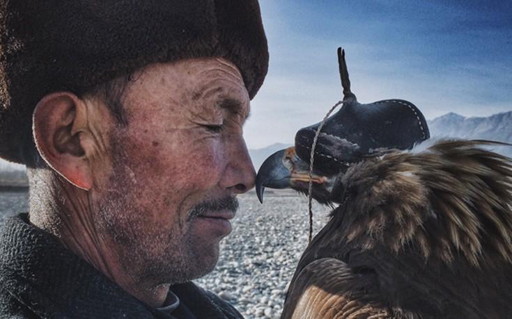 Siyuan Niu, Xinjiang, Κίνα, Μεγάλο Βραβείο, Φωτογράφος της Χρονιάς, Ο άνθρωπος και ο αετός